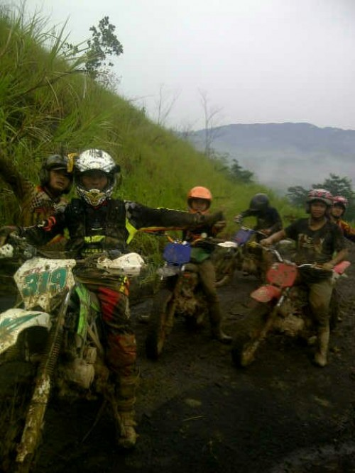 Komunitas Motocross Kecamatan Sukamakmur